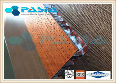 China Wood Like Honeycomb Composite Panels For Interior Decorative Alkali Resistance supplier